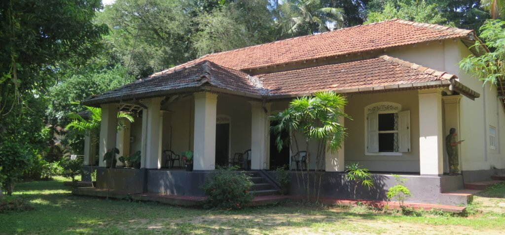 Dutch colonial house lanka real estate for Dutch colonial house for sale